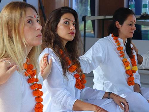 beginner-meditation-course-rishikesh